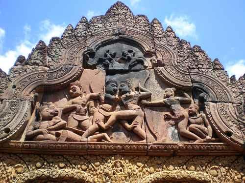 Steinmetzarbeiten im Banteay Srei Tempel