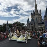 Video: Disney Parade 2017 in voller Länge (Disney World Orlando USA)