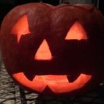 Kürbis-Gesichter für Halloween schnitzen + 3 Profi-Kürbis-Monster