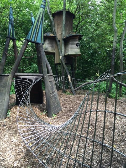 Klettern im Märchenwald - Hexenhaus im Familiengarten Eberswalde