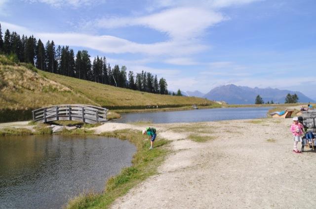 Bergsee in den Alpen - Österreich-Rundreise mit Kindern