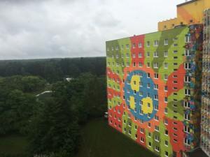 Popart-Fassade des Hotels in Templin