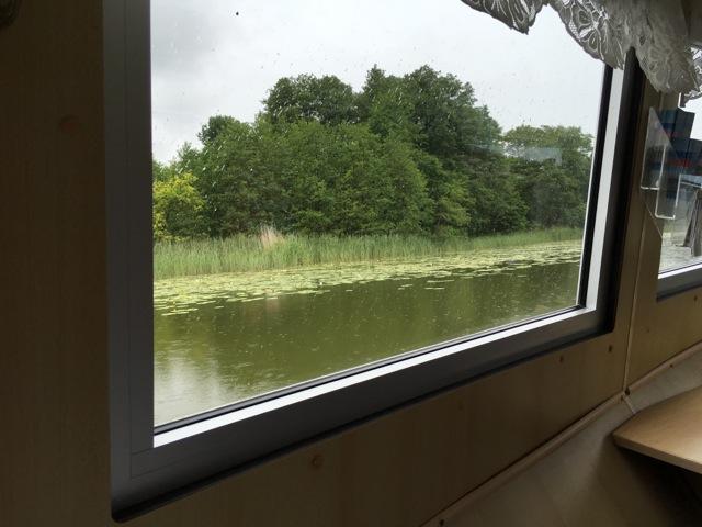 Schifffahrt in der Kabine wegen Regen