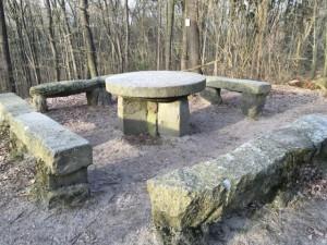Steinerner Tisch in Rauen