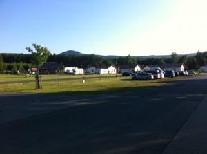 Trixi Ferienpark Aussicht auf die Zittauer Berge und Campingplatz