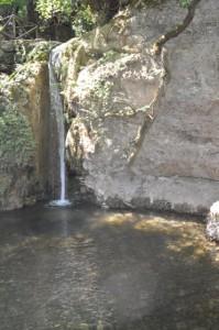 Kleiner Wasserfall im Tal der Schmetterlinge Rhodos